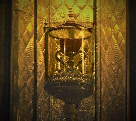 holy chalice of valencia valencia spain atlas obscura