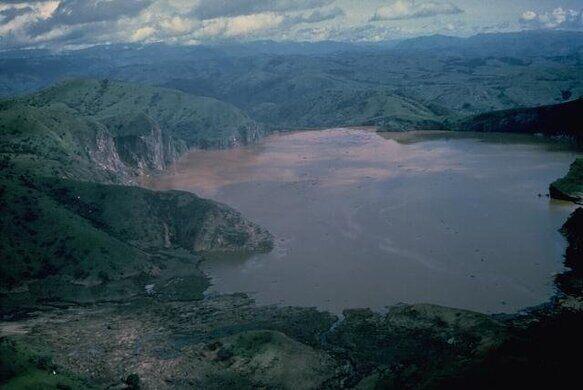 Resultado de imagem para nyos lake