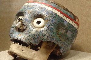 The mosaic votive skull.