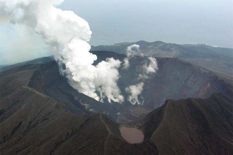 Gas Mask Tourism On The Izu Islands Miyakejima An Atlas Obscura