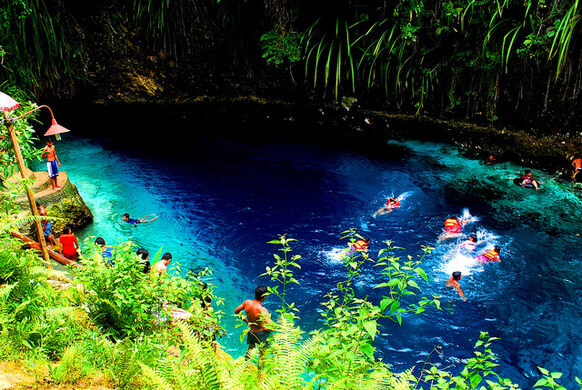 Hinatuan enchanted river hinatuan philippines atlas for Best places to go fishing near me