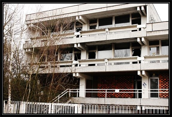 Abandoned Iraqi Embassy – Berlin, Germany - Atlas Obscura