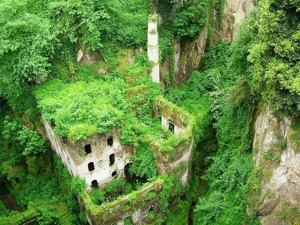 Italian Food Near Me Abandone Building Casa: 543 Cool And Unusual Things To Do In Italy