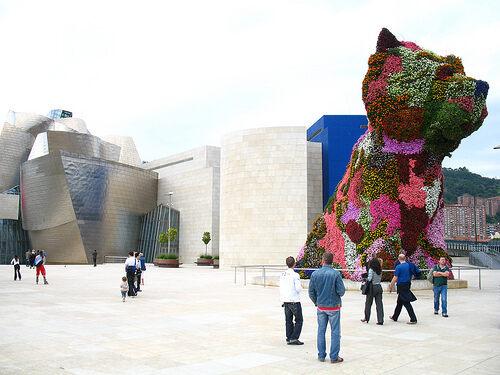 Jeff Koons' Puppy – Bilbao, Spain - Atlas Obscura