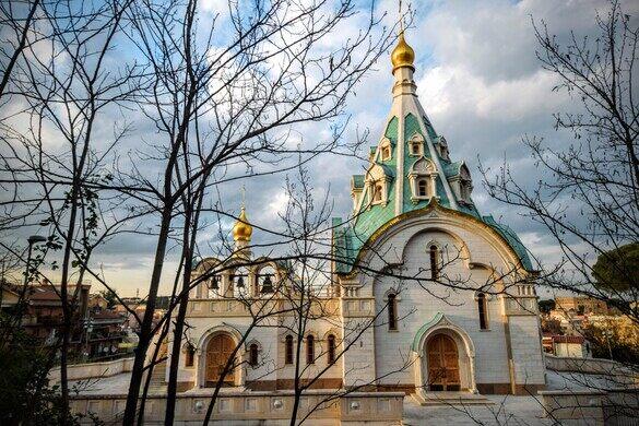 Edit Russian Orthodox Church Outside