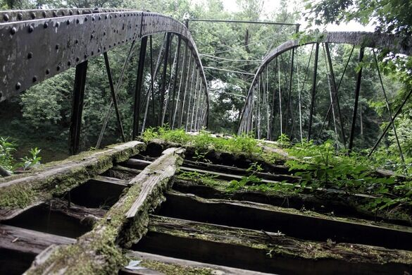Springfield-Des Arc Bridge – Damascus, Arkansas - Atlas Obscura