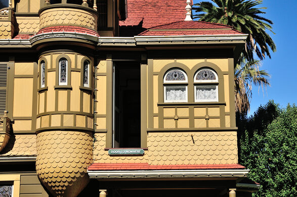 The winchester mystery house san jose california for The winchester house