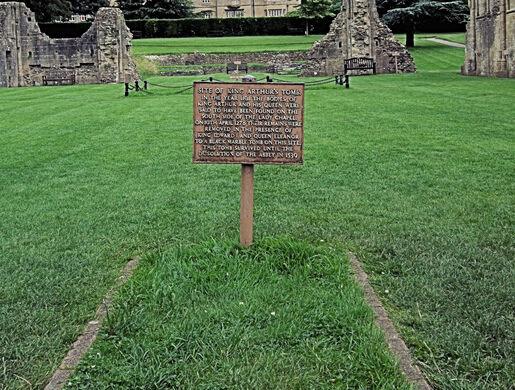 'King Arthur's Tomb'