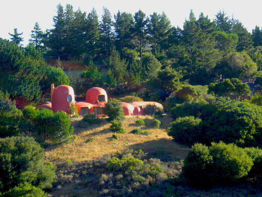 the flintstone house beatrice murch on flickr creative commons - Flintstone House
