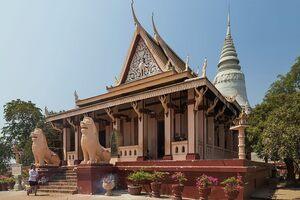 Wat Phnom temple.