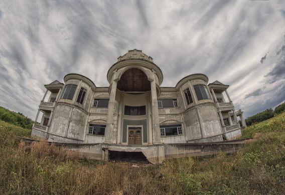 The Abandoned Bangkok Mansions – Tambon Phra Prathom Chedi