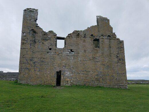 O'Brien's Castle – Inisheer, Ireland - Atlas Obscura