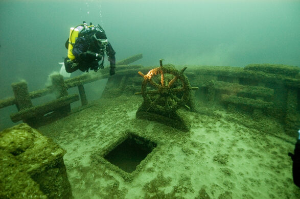 Four thousand years under the sea: excursions in undersea archaeology