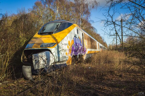 abandoned eurostar train valenciennes france atlas obscura. Black Bedroom Furniture Sets. Home Design Ideas