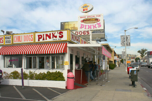 Pink S Hot Dogs Los Angeles California Gastro Obscura