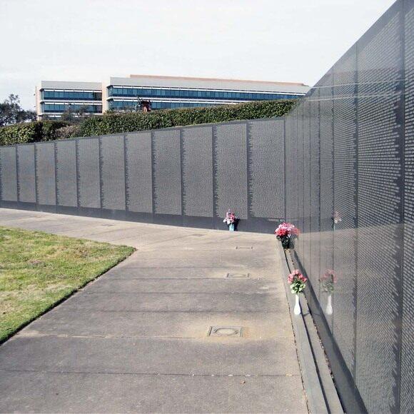 Wall South Vietnam Memorial Pensacola Florida Atlas Obscura