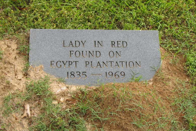 Grave of the Lady in Red