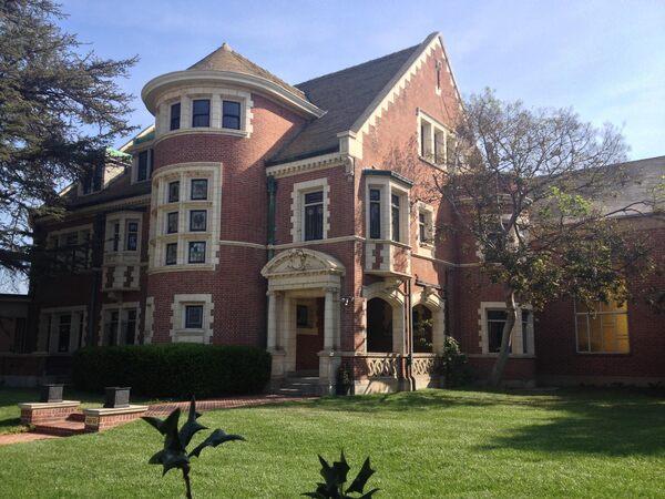 Rosenheim Mansion Los Angeles California Atlas Obscura