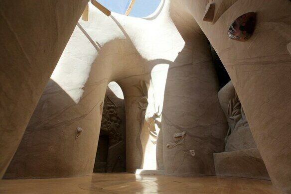 Man Cave New Mexico : Beautiful underground cave sculptures built by one man