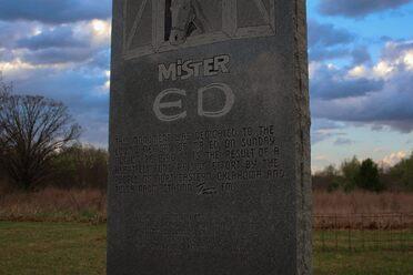 Grave of Walter White – Albuquerque, New Mexico - Atlas Obscura