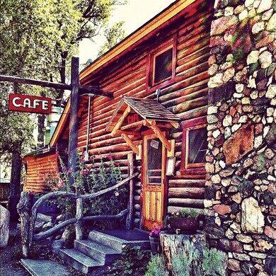 Woods Landing Bar & Cafe