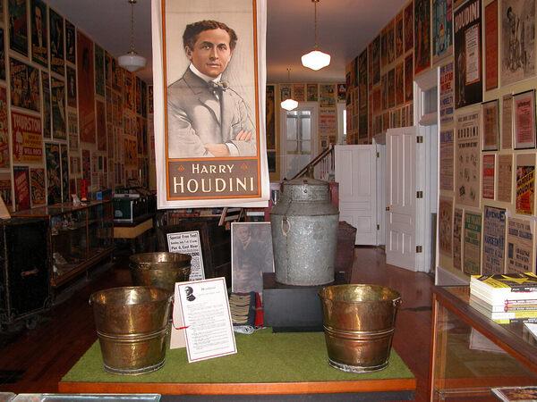 Italian Food Near Me Abandone Building Casa: American Museum Of Magic