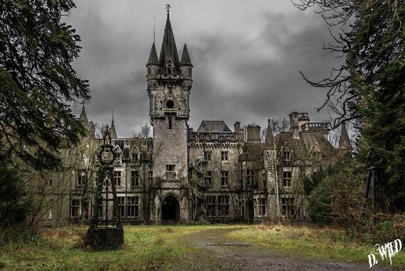 Noisy Castle Houyet Belgium