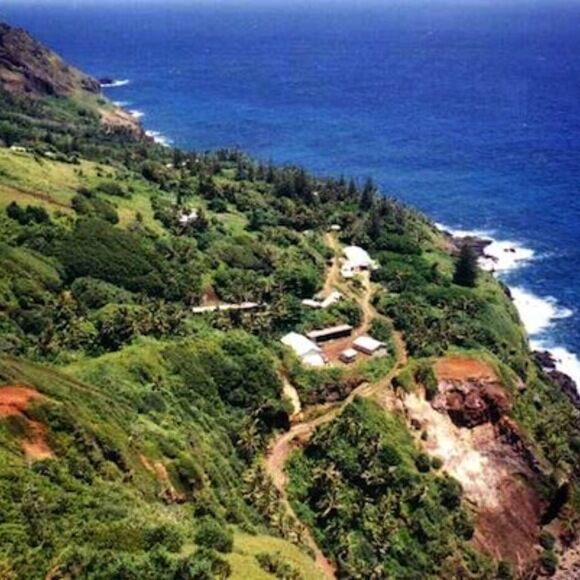 Christian S Cafe Adamstown Pitcairn Islands Gastro Obscura