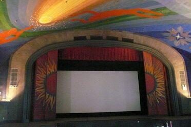 Cine pera mexico city mexico atlas obscura for Cape cinema mural
