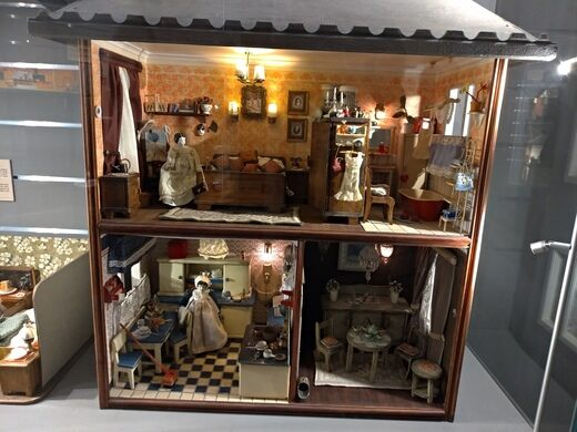 Dollhouse Museum – Warsaw, Poland - Atlas Obscura