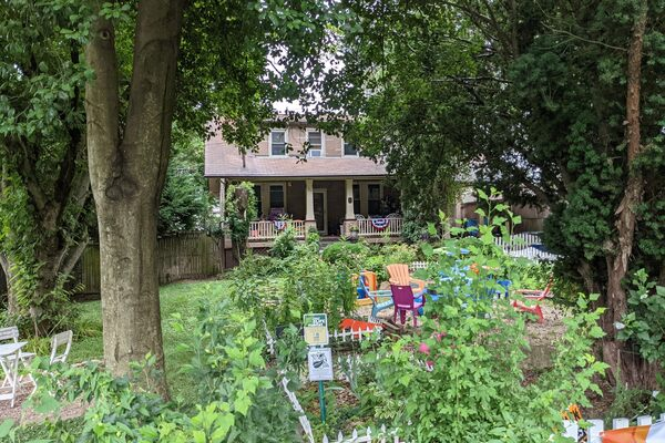 Picture - Henderson House in Falls Church, Virginia