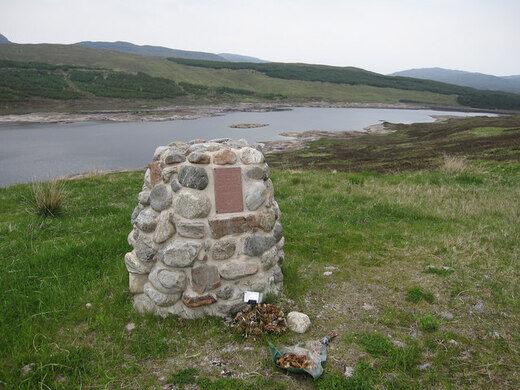 Willie MacRae Memorial – Greenfield, Scotland - Atlas Obscura
