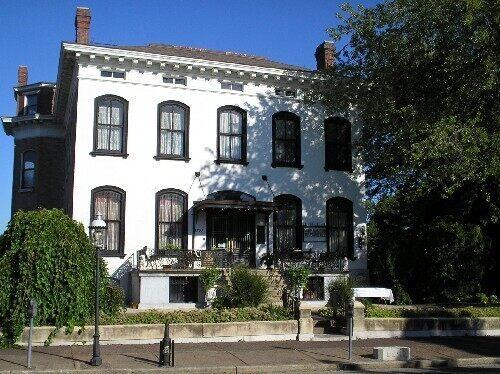 lemp mansion st louis missouri atlas obscura. Black Bedroom Furniture Sets. Home Design Ideas