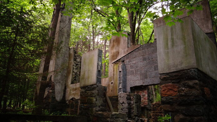 Devil's Hole Ruins – Cresco, Pennsylvania - Atlas Obscura