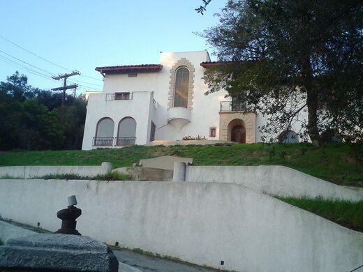 Los Feliz Murder Mansion – Los Angeles, California - Atlas Obscura