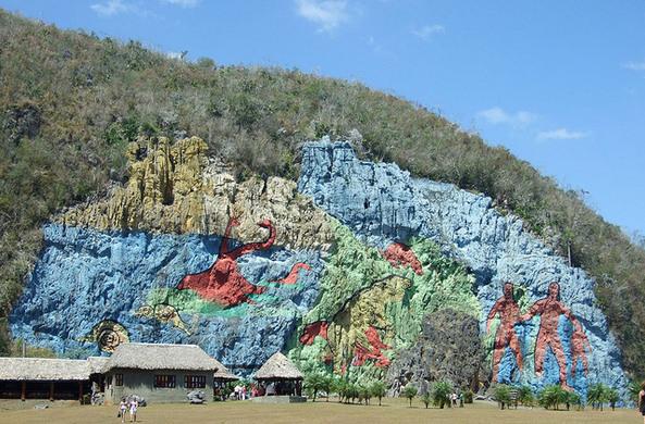 Vi ales mural de la prehistoria vinales cuba atlas for Mural de la prehistoria