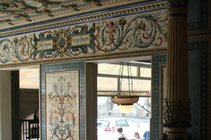 The interior of Pfunds Molkerei is decorated in Villeroy & Boch ceramic.