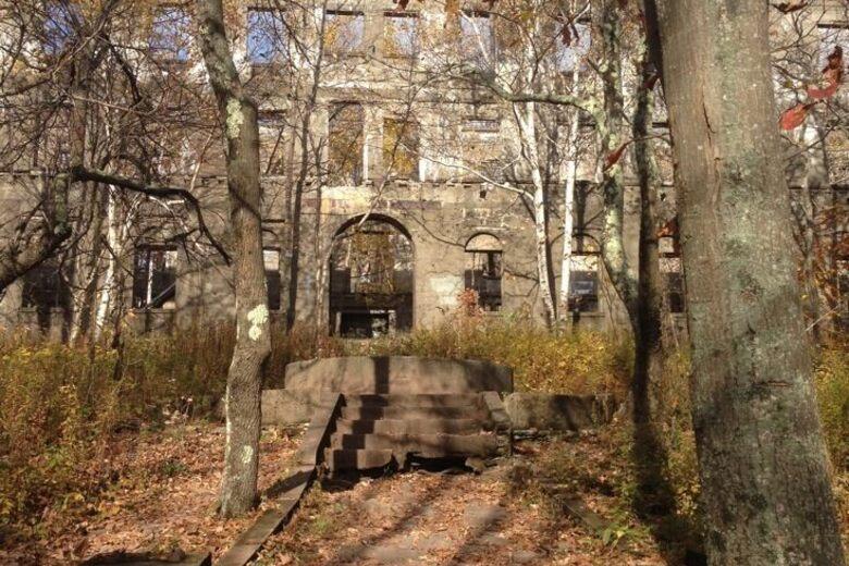 Overlook Mountain House Ruins – Woodstock, New York - Atlas Obscura