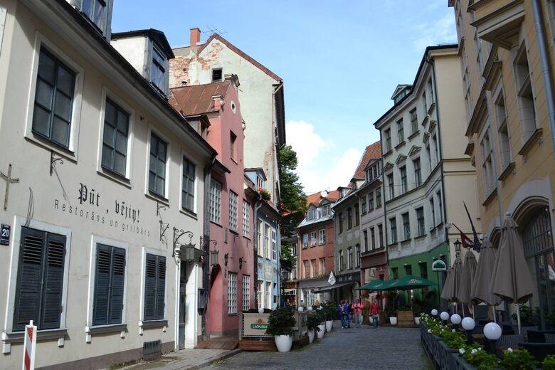 Jauniela (New Street)