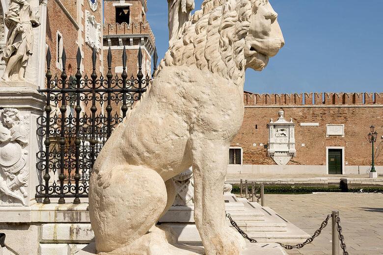 Piraeus Lion