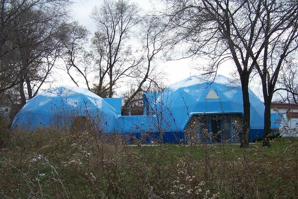 Geodesic dome house detroit michigan atlas obscura - The geodesic dome in connecticut call of earth ...