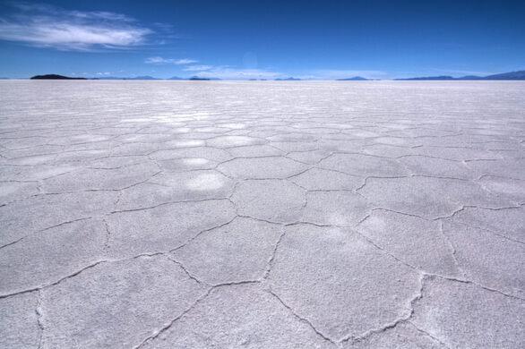 ajab-jankari-worlds-largest-salt-field-salar-de-uyuni-in-southwest-bolivia-नमक का मैदान