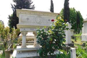 Grave of Elizabeth Barrett Browning.