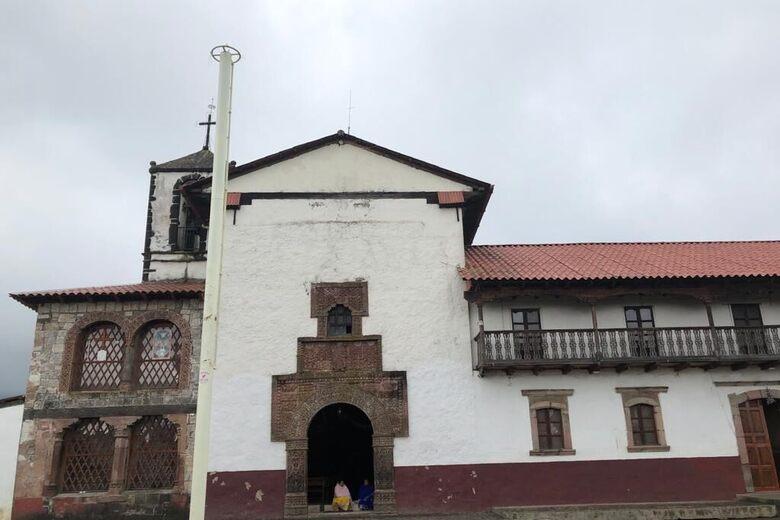 Iglesia de Santo Santiago Apóstol (Church of Saint James the Apostle)