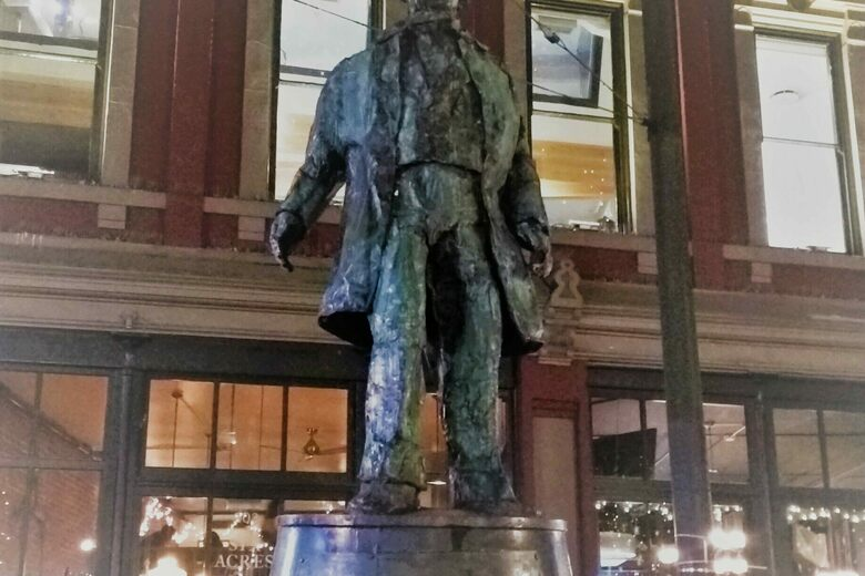 'Gassy Jack' Statue