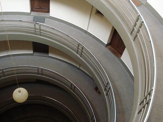 The House Without Stairs - Maison Sans Escalier – Saint ...