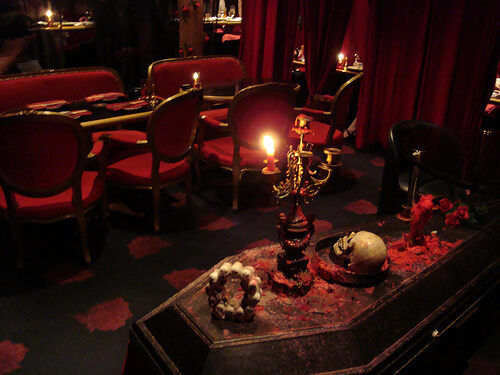 Vampire Cafe Tokyo Japan Gastro Obscura - Make-your-room-look-like-a-vampires-room