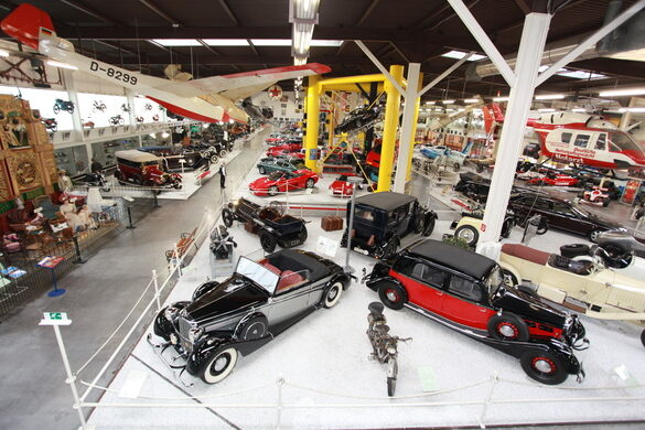 auto technik museum sinsheim sinsheim germany atlas obscura. Black Bedroom Furniture Sets. Home Design Ideas