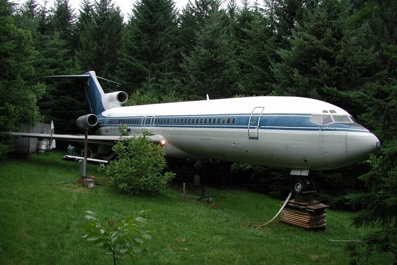 Airplane Home in the Woods – Hillsboro, Oregon - Atlas Obscura
