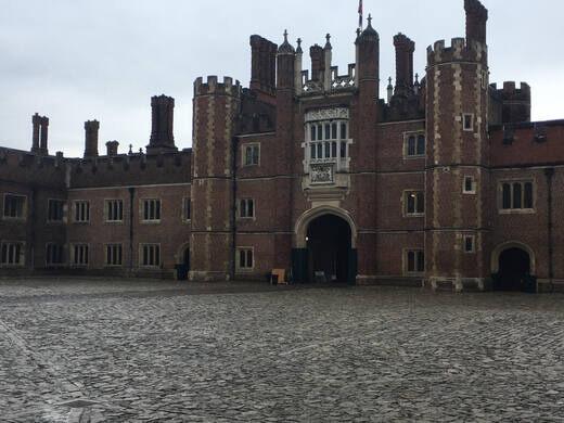 Anne Boleyn's Gateway – East Molesey, England - Atlas Obscura